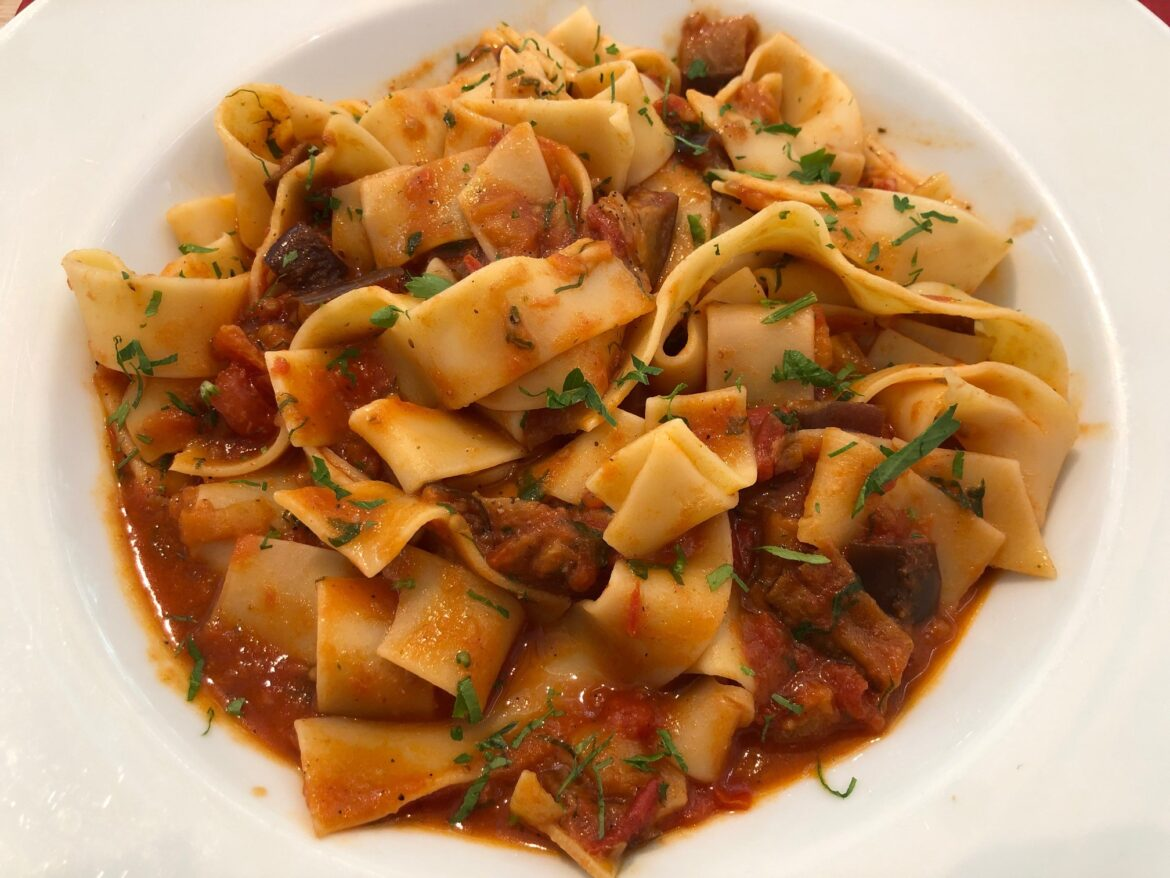 Eggplant dish 15: Pappardelle with tomato, eggplant and garlic