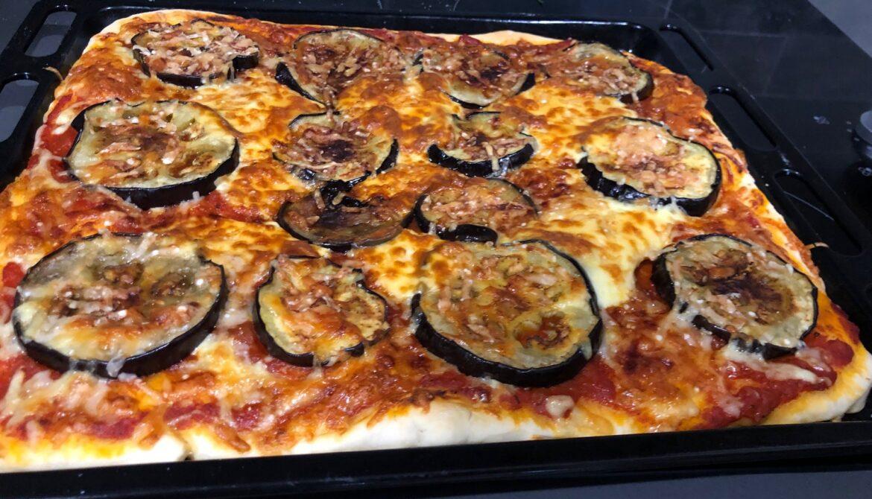 Eggplant dish 42: Eggplant pizza